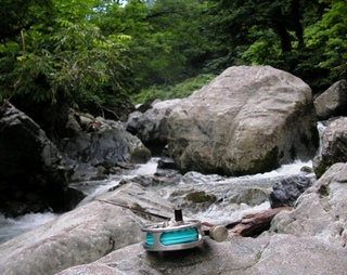 2010年7月10日巨岩の川.JPG